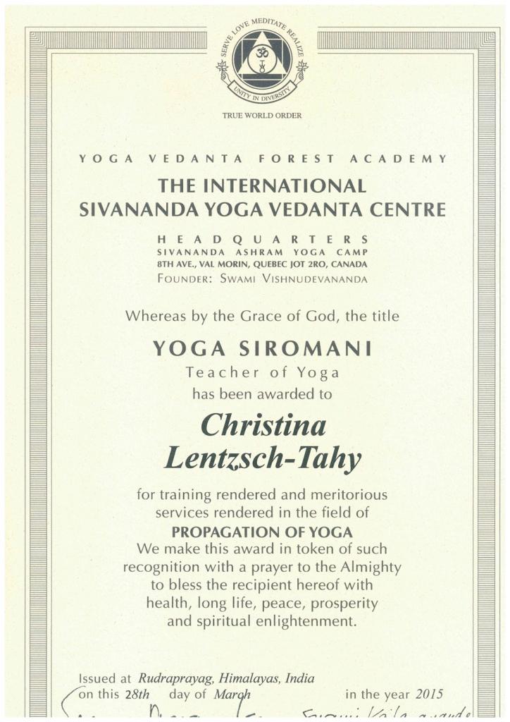 Christina-Lentzsch-Yoga Sivananda